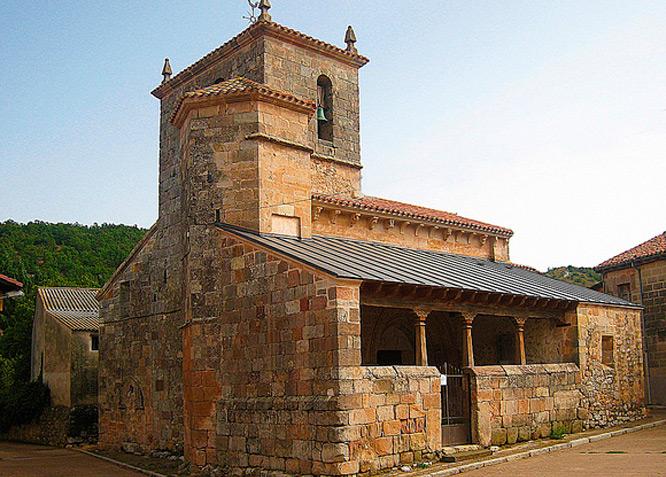 Iglesia de El Salvador - Pozancos - Fotografía cedida por: Canduela. Slide realizado por www.disenafacyl.es
