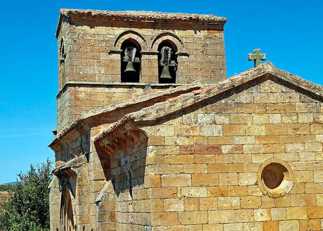 Parroquia de Santa Juliana - CORVIO - Fotografía cedida por: Jesús A. Sanz. Slide realizado por www.disenafacyl.es