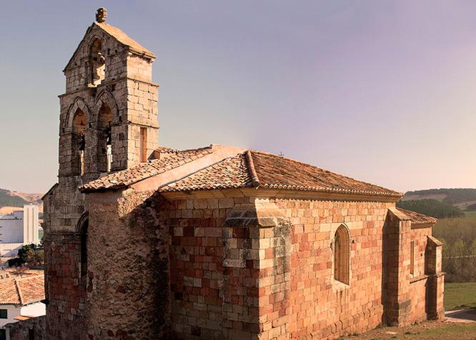 Iglesia de San Juan Bautista - Nogales de Pisuerga - Fotografía cedida por: Alberto Bragado Slide realizado por www.disenafacyl.es