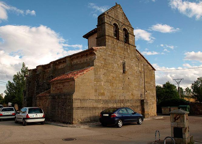 Parroquia de San Juan Bautista - VILLAVEGA DE AGUILAR - Fotografía cedida por: Jesús A. Sanz. Slide realizado por www.disenafacyl.es