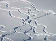 skiing-16168_640
